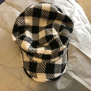 Accessories - Black and white checkered fashion hat